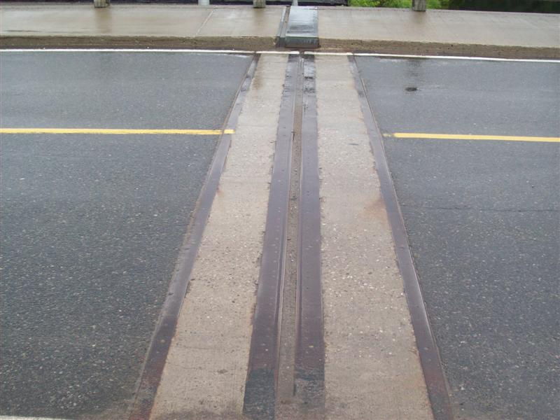 Expansion joint in Bridge for Siesmic Stopping
